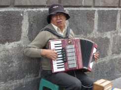 Quito busker